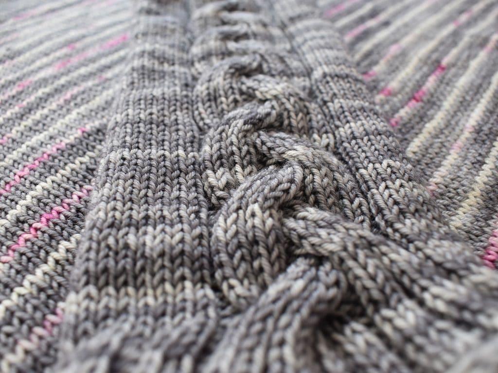 Tricot Pull Lattice Or Braid Devant Manche